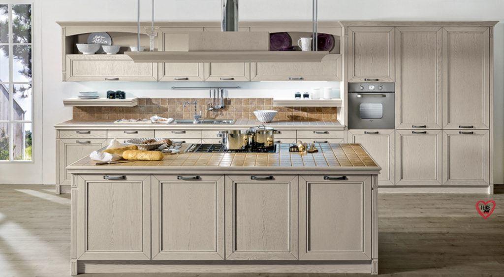 Cucine in muratura con isola arredamenti meneghello for Cucine classiche con isola