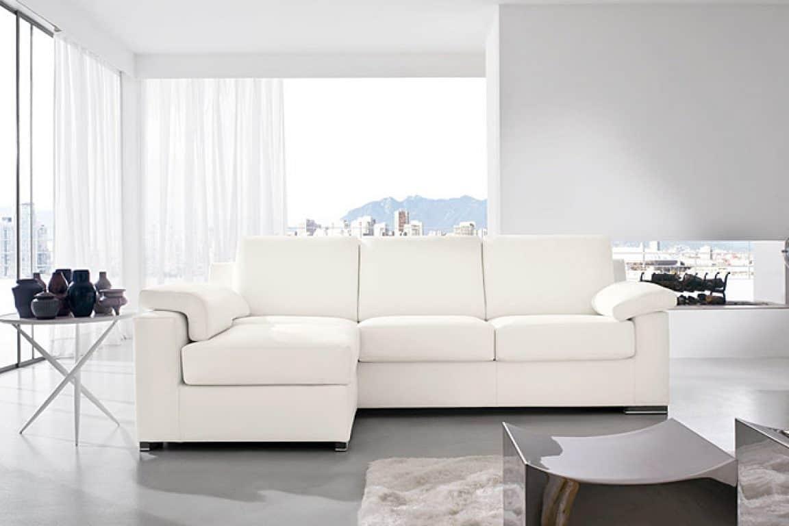 Divani bianchi classici design casa creativa e mobili for Mobili design occasioni divani