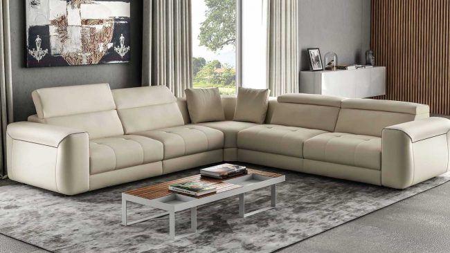 I migliori divani in pelle da arredamenti meneghello for Outlet mobili moderni