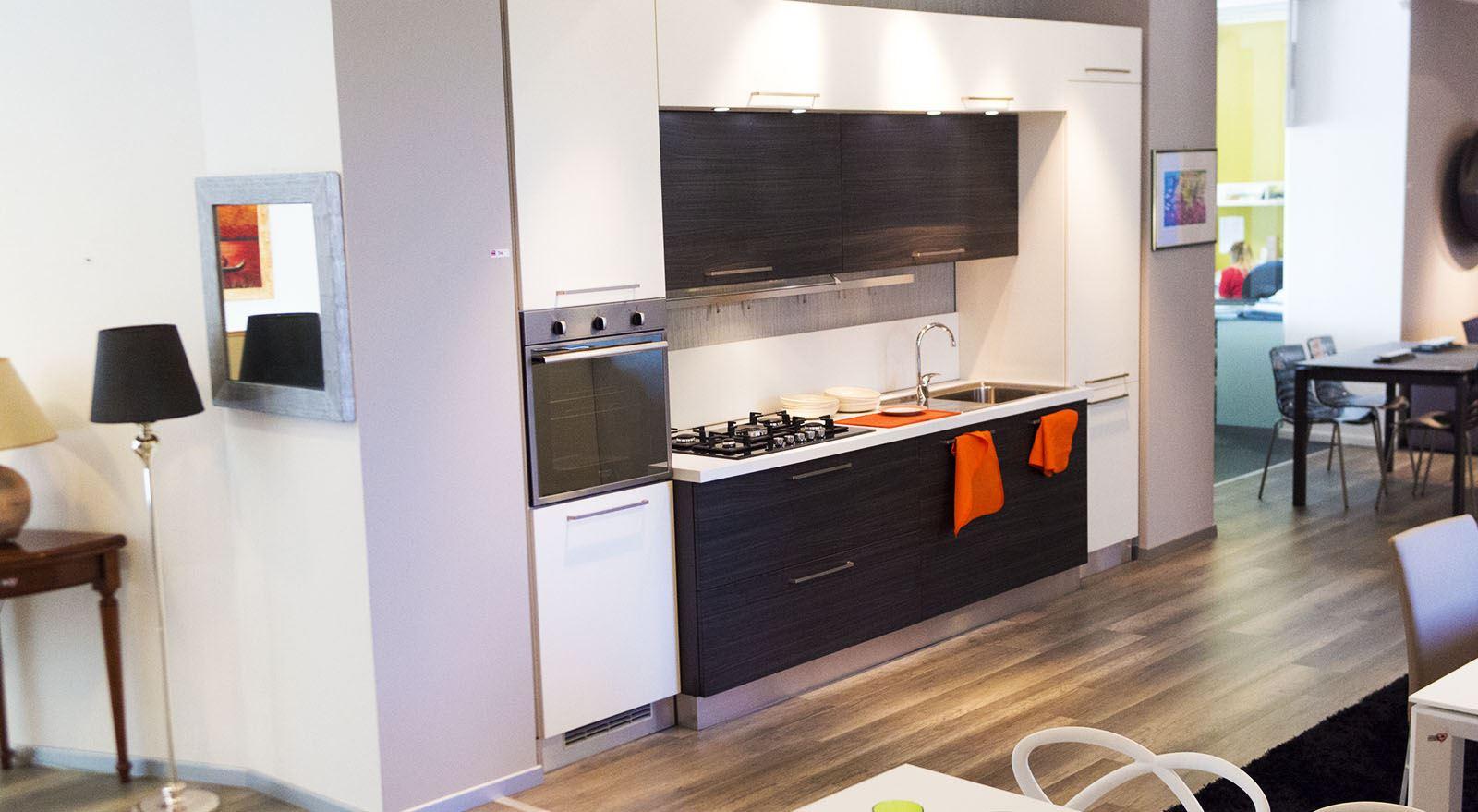 Outlet cucine padova da arredamenti meneghello for Offerte cucine moderne